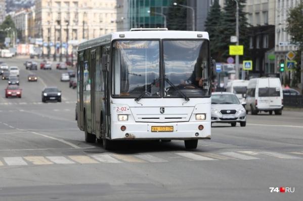 По выделенным полосам смогут ездить автобусы, троллейбусы и легальные такси