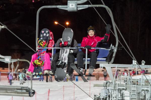 В горнолыжном комплексе включили снегогенерацию 4 ноября и пообещали 14–15 ноября открыть сезон