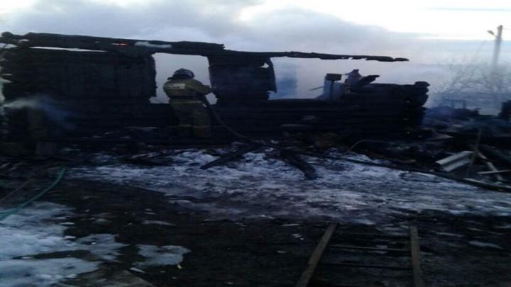 В Башкирии сгорел жилой дом: погибли два человека