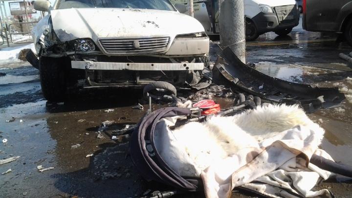 «Детская коляска — всмятку»: стали известны подробности наезда машины на пешеходов в Челябинске
