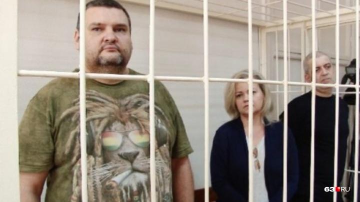 Самарский бизнесмен подал в суд на осужденного блогера Олега Иванца