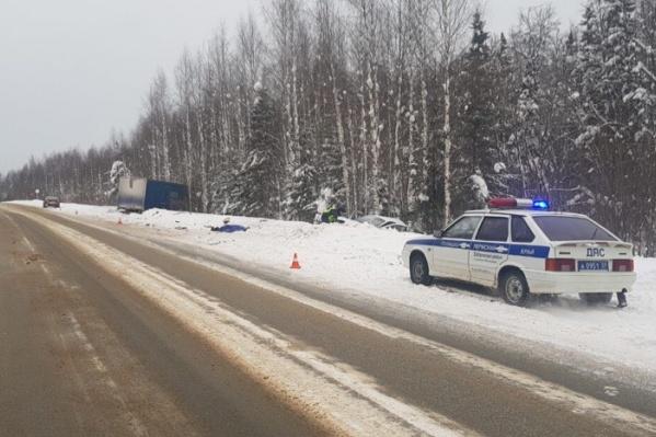 На трассе в Добрянском районе столкнулись Lada и грузовик Scania