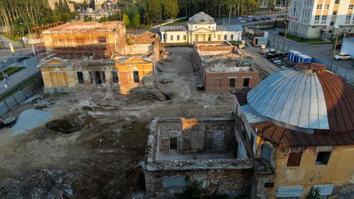 Из дворца в руины: как на ВИЗе за два года построили огромный госпиталь, которым восхищался император