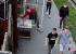 В Екатеринбурге у волонтеров, восстанавливавших старинный особняк, стащили краскопульт: видео