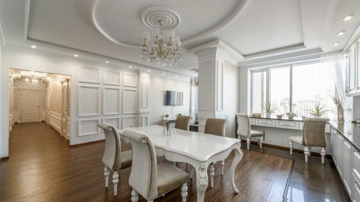 Страшно испачкать: на Белинского на продажу выставили огромную белоснежную квартиру