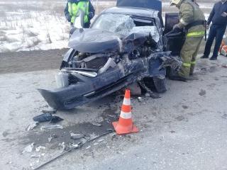 В Hyundai Accent пострадали два пассажира