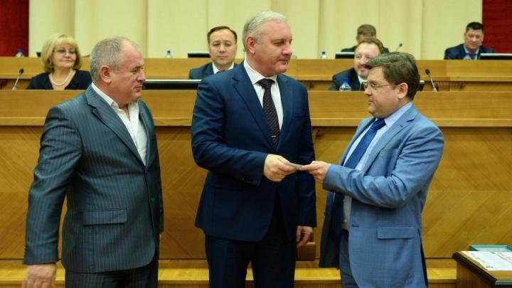 Справедливороссы исключат из фракции екатеринбургского депутата, назвавшего журналистов бестолочами