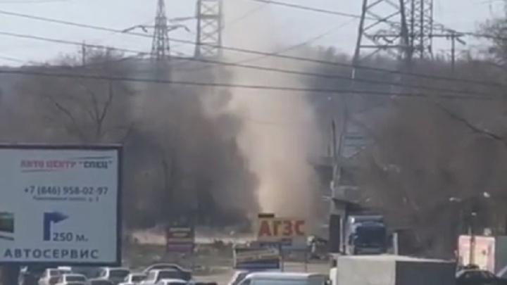 «Он двигался в мою сторону!»: очевидцы сняли на видео торнадо на Ракитовском шоссе