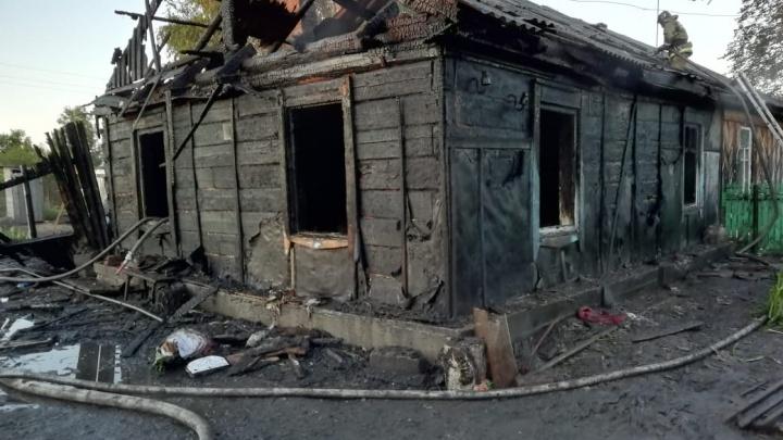 Смерть трёх детей в огне: в МЧС заявили, что дом вспыхнул из-за короткого замыкания