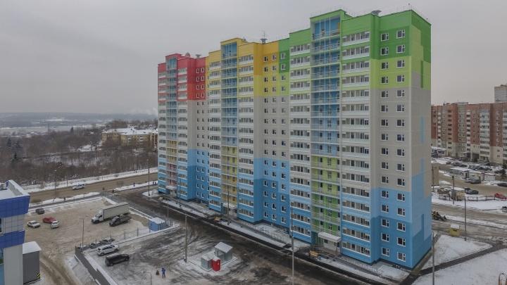 Новый дом в микрорайоне Гайва принимает жильцов