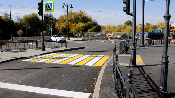 Возле Юбилейного моста появился новый пешеходный переход