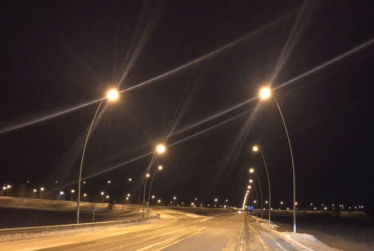 ВКрасноярске заработало новое освещение подороге ваэропорт
