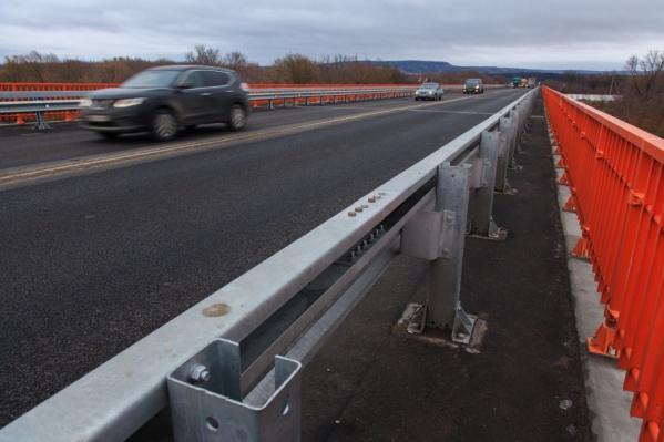 Мост открыт для проезда машин