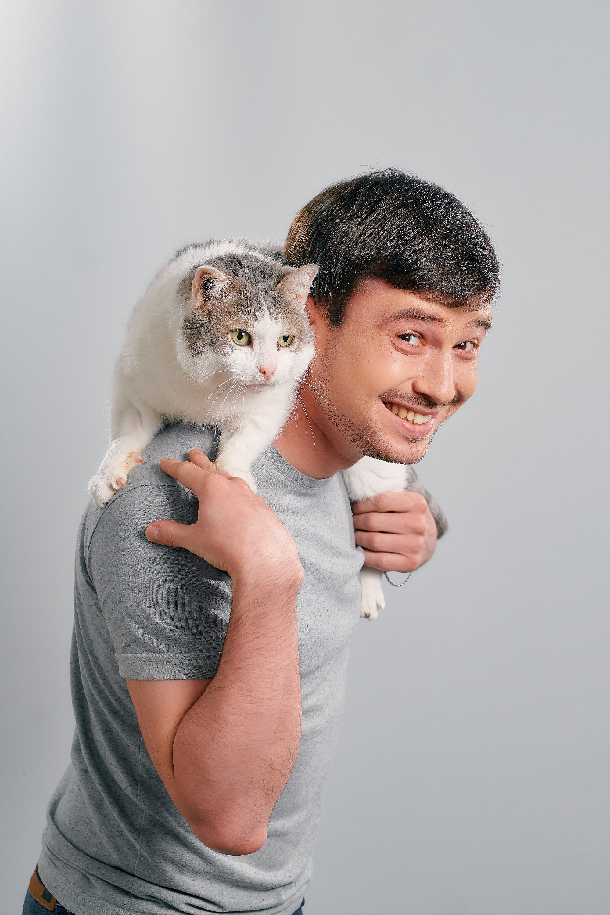 Альберт Мусин с котом Крокусом