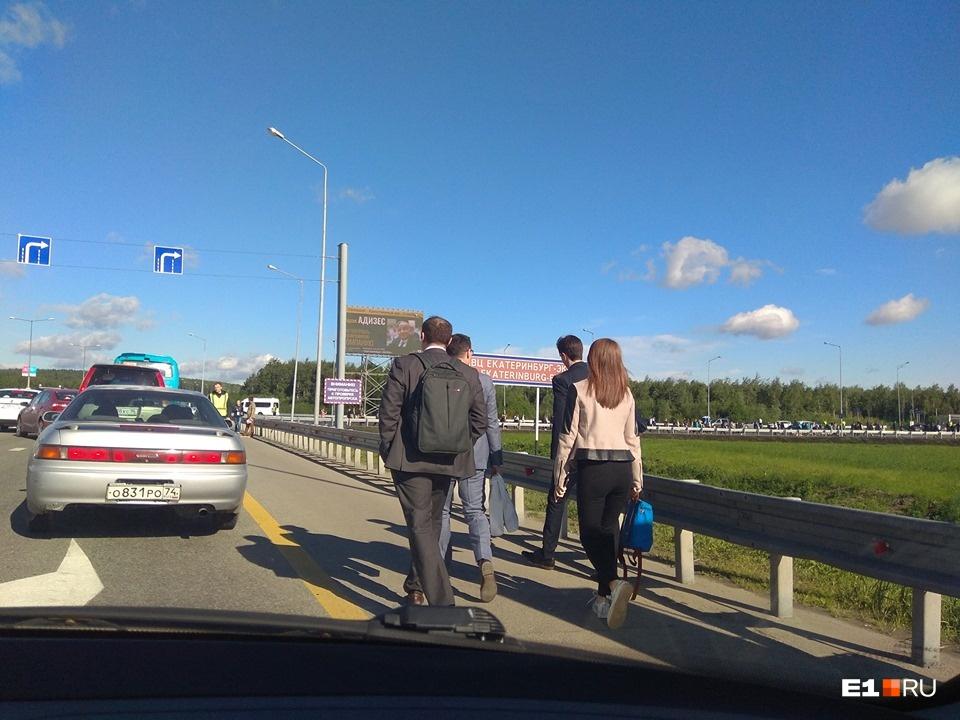 Эвакуация екатеринбуржцев в Сысерть и фарфоровые Мамаев с Кокориным: всё о первом дне «Иннопрома»