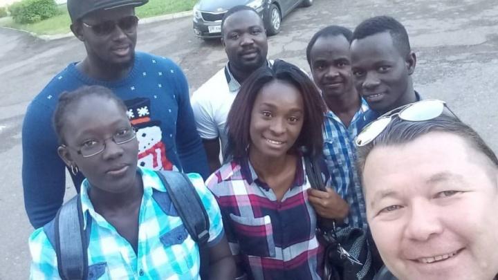 Уфимцы подарили африканским студентам зимнюю одежду