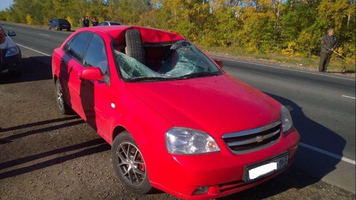 Разбило стекло и влетело в салон: оторванное колесо «Газели» спровоцировало массовое ДТП на М-5