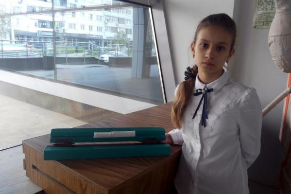 Вика Белоножко в первую очередь хочет обезопасить свою квартиру для младшей сестренки