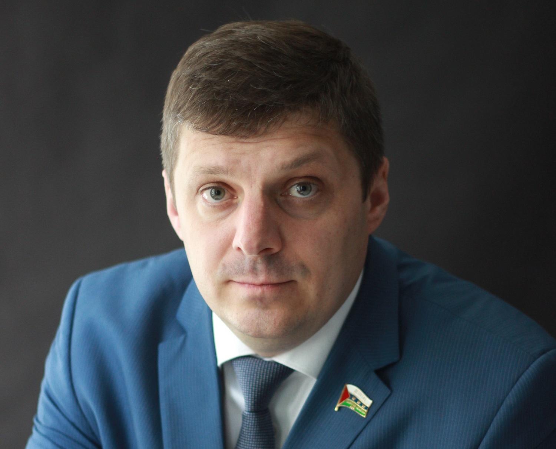 Иван Левченко родился в ХМАО, до переезда в Тюмень он жил и работал в Югре