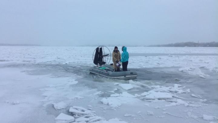 Снеголет дал течь: на Волге тонули супруги на самодельной аэролодке