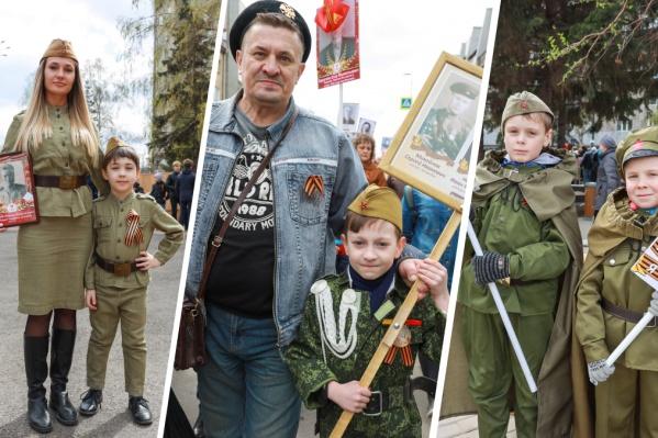 Сегодня на улице можно было встретить много красноярцев и их детей в военной форме