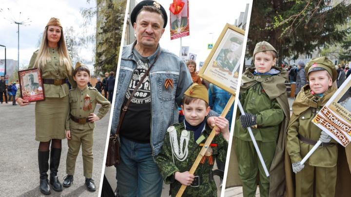 «Так проще рассказывать детям о празднике»: 9 обычных горожан, решивших сегодня надеть форму солдат