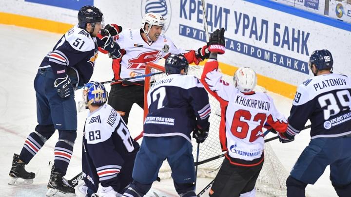 «Авангард» против «Металлурга»: погоня, первый гол в КХЛ и три шайбы в концовке