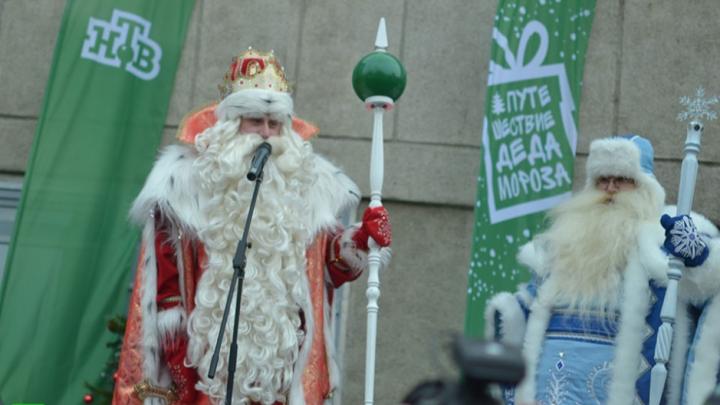 Дед Мороз из Великого Устюга навестил пострадавшую в «Хромой лошади» Ирину Банникову