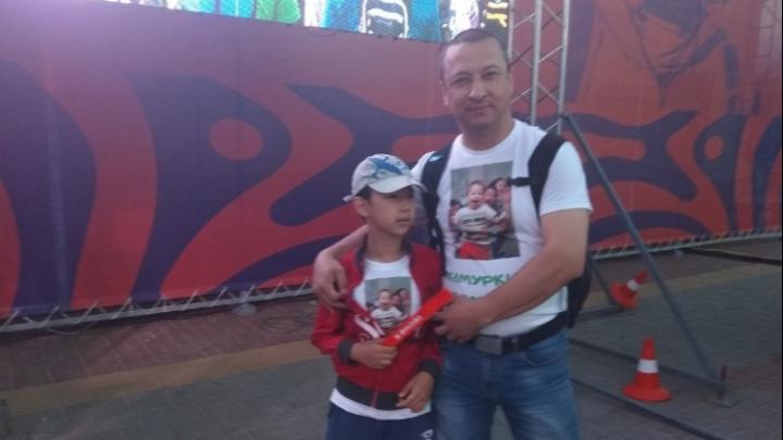 «Тимуркина команда»: отец погибшего под воротами малыша вышел на марафон вокруг Эльтона