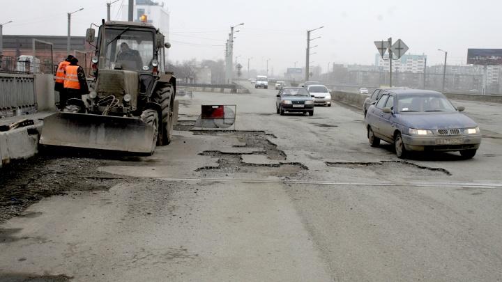 «Качество отвратительное»: депутаты раскритиковали ремонт дорог в Челябинске