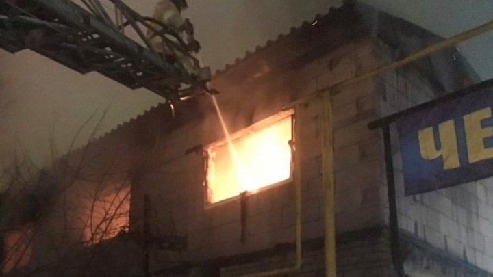 Ночью в общежитии для мигрантов в Челябинске произошёл крупный пожар