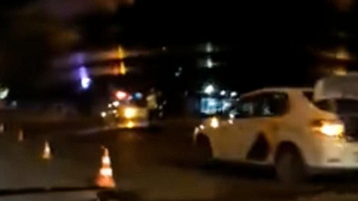 Водитель такси насмерть сбил человека в Челябинске