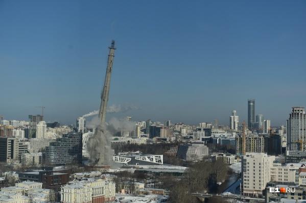 Недостроенная башня превратилась в недоразрушенную