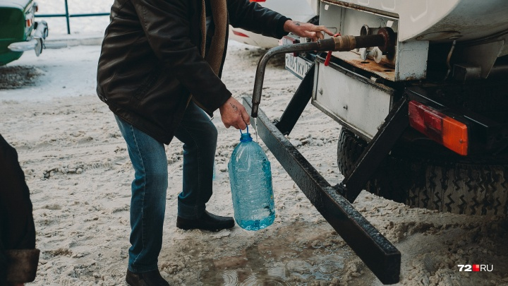 Без воды остались десятки тюменских многоэтажек