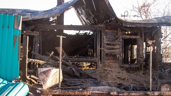 В Ленинском округе девочка задохнулась на пожаре