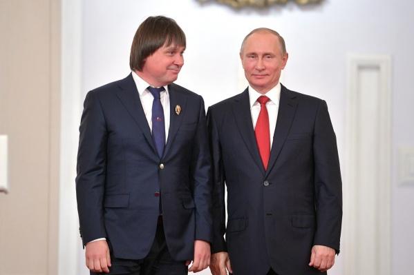 Евгений Покушалов получил Госпремию в области науки и технологий из рук президента Владимира Путина в июне 2017 года