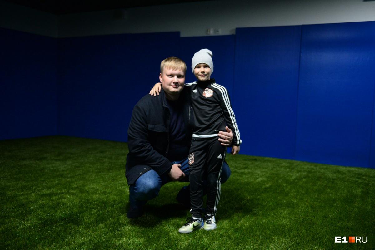 Сын Игоря Митя занимается футболом с четырёх лет. Каждую неделю у него четыре тренировки!
