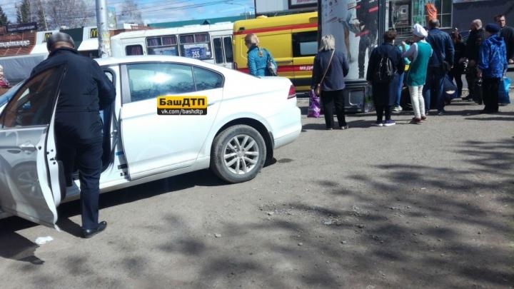 В Уфе у водителя случился приступ эпилепсии: под колеса попали два человека