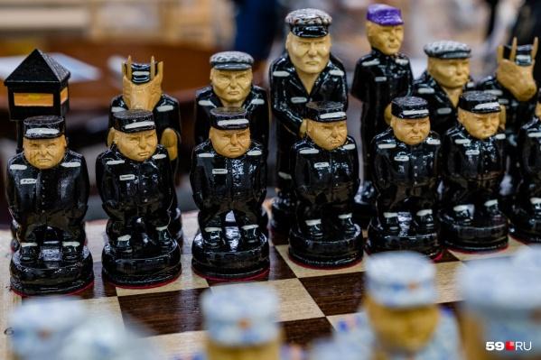 На выставке можно купить шахматы ручной работы