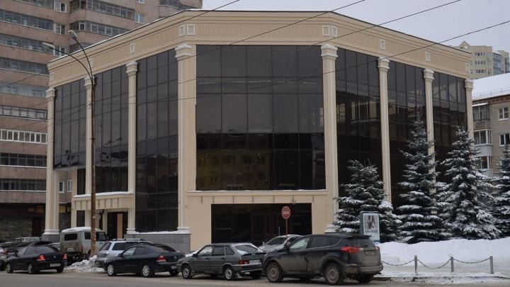 В здании на Луначарского, против которого протестовали местные жители, откроют столовую