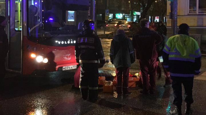 На перекрёстке улиц Сибирской и Пушкина автобус сбил пешехода