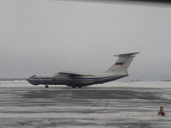 Самолет в Рощино приземлился в 11:15