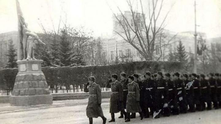 Фашистята и «грибы»: как в 1982-м омские неонацисты хотели погасить Вечный огонь