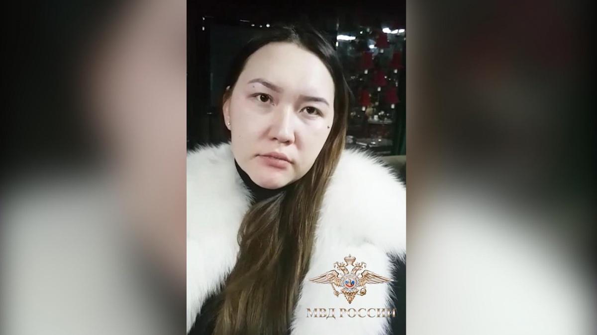 25-летнюю женщину задержали вместе с матерью девочки
