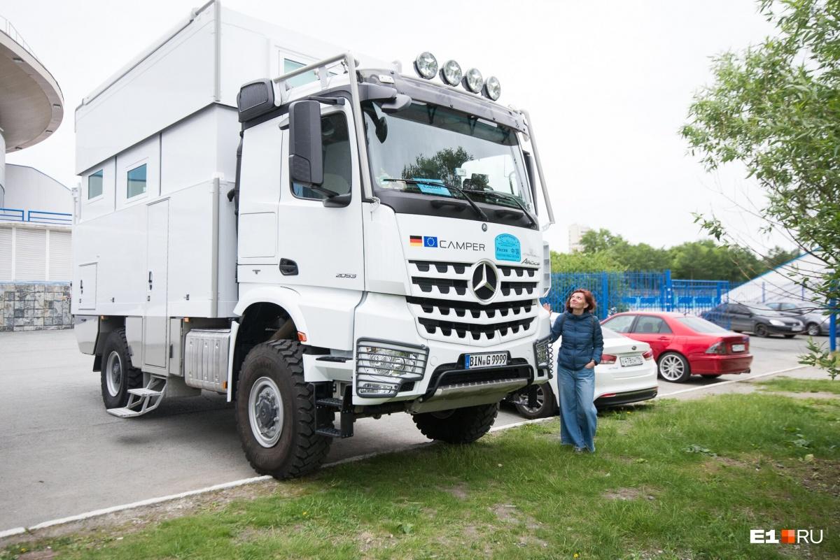 Самый большой фургон в группе — оцените масштаб!