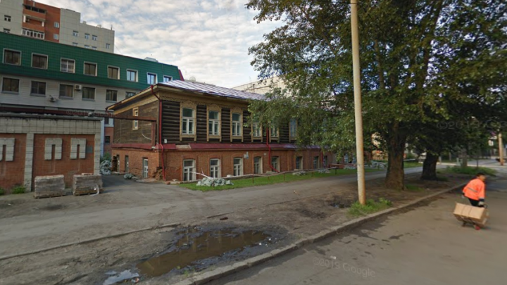 В центре Новосибирска отреставрируют особняк, в котором держали пленных революционеров