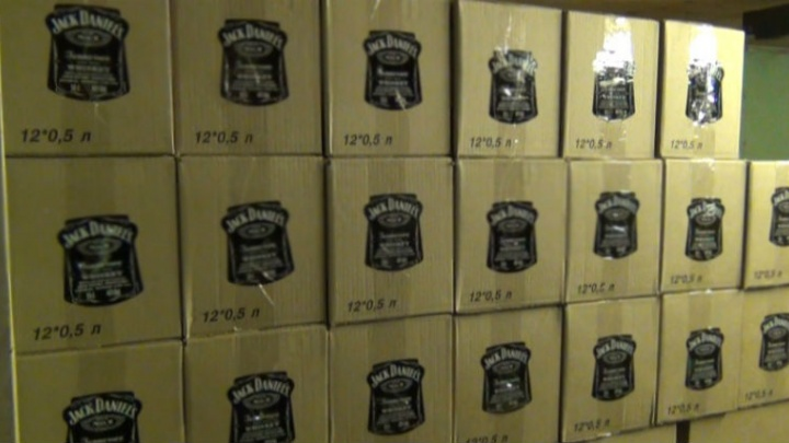 Южноуралец в подвале своего дома наладил производство американского виски