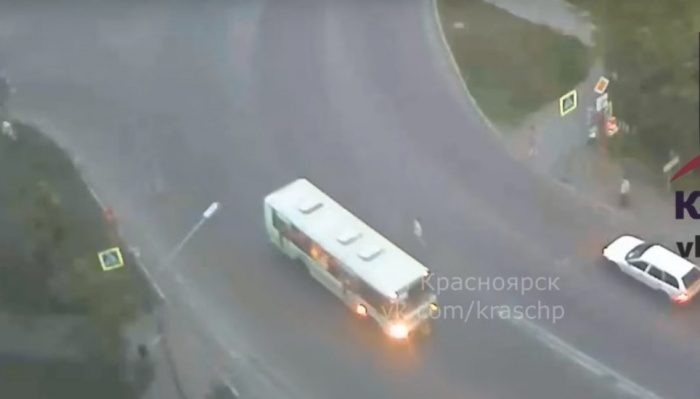 В момент аварии водитель не смотрел на дорогу