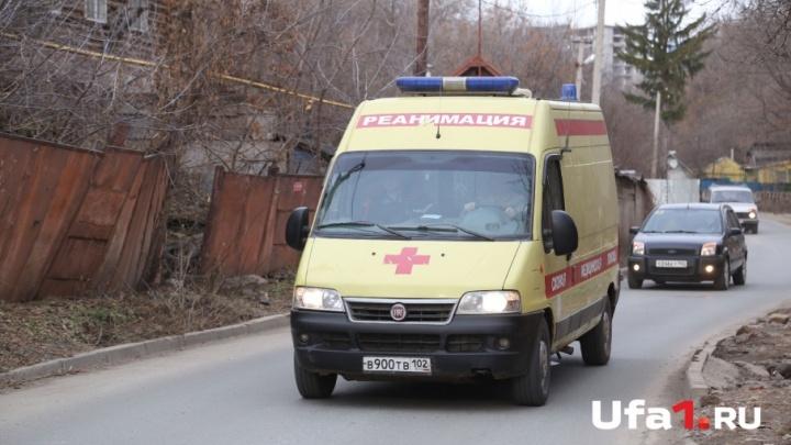 В Башкирии 10-летний мальчик разбил голову, упав с качелей