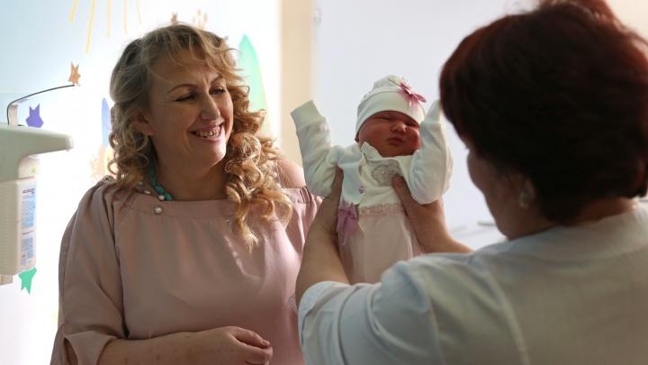«Пять мальчиков и четыре девочки — неинтересно»: жительница Башкирии родила 10-го ребенка